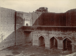 Entrance to Deeg Fort